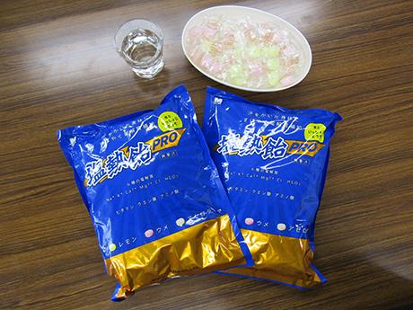 塩熱飴による塩分と電解質の補給