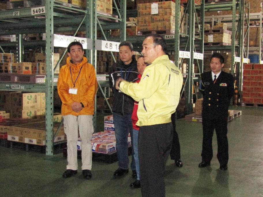 倉庫内の構成と商品説明