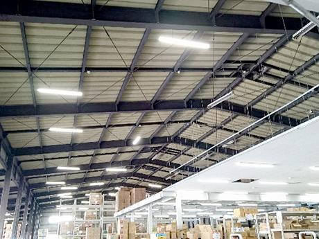 LEDに換装された天井